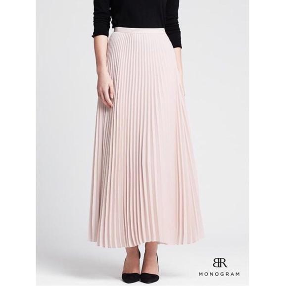 f27439975b Banana Republic Skirts | Accordion Pleated Maxi Skirt | Poshmark